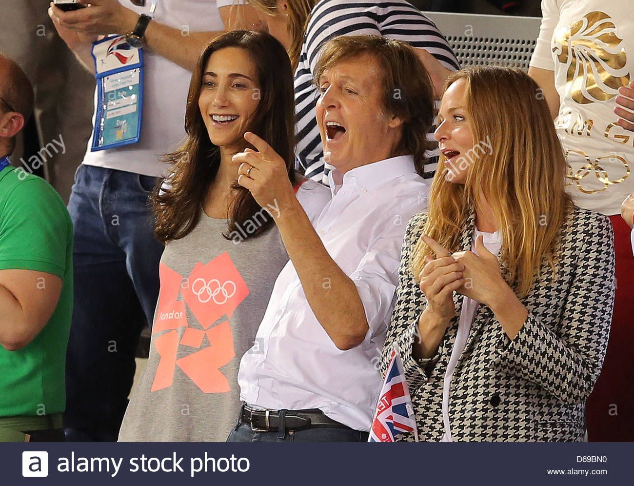Download This Stock Image Sir Paul Mccartney C His Wife Nancy Shevell L And His Daughter Fashion Designer Stella Mccar Paul Mccartney Photo Stock Photos