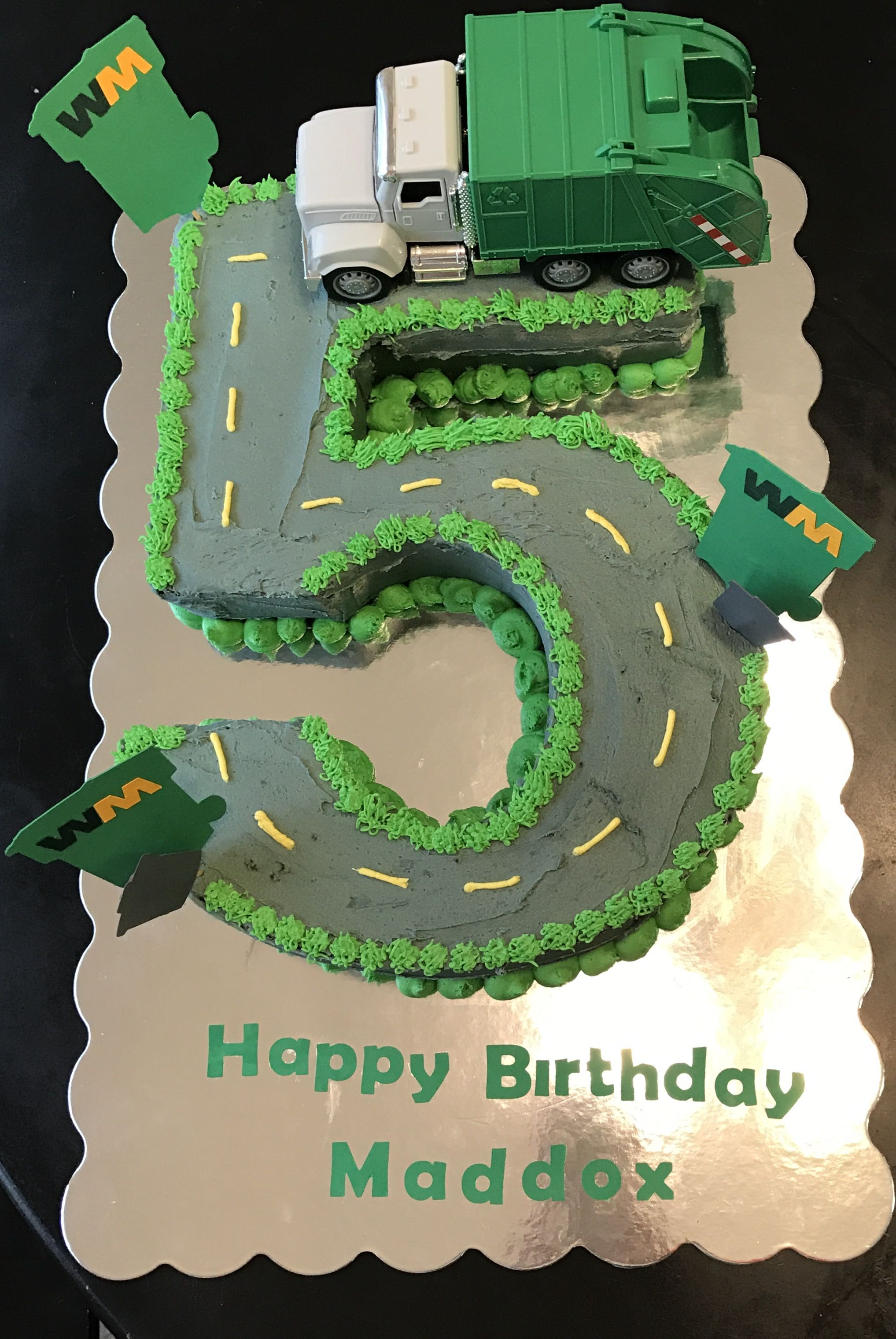 Garbage truck cake Parties Pinterest Garbage truck Truck