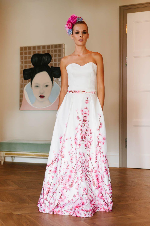 Brautkleid mit Kirschblütendruck und Taschen – unsere Yoki! Der ...