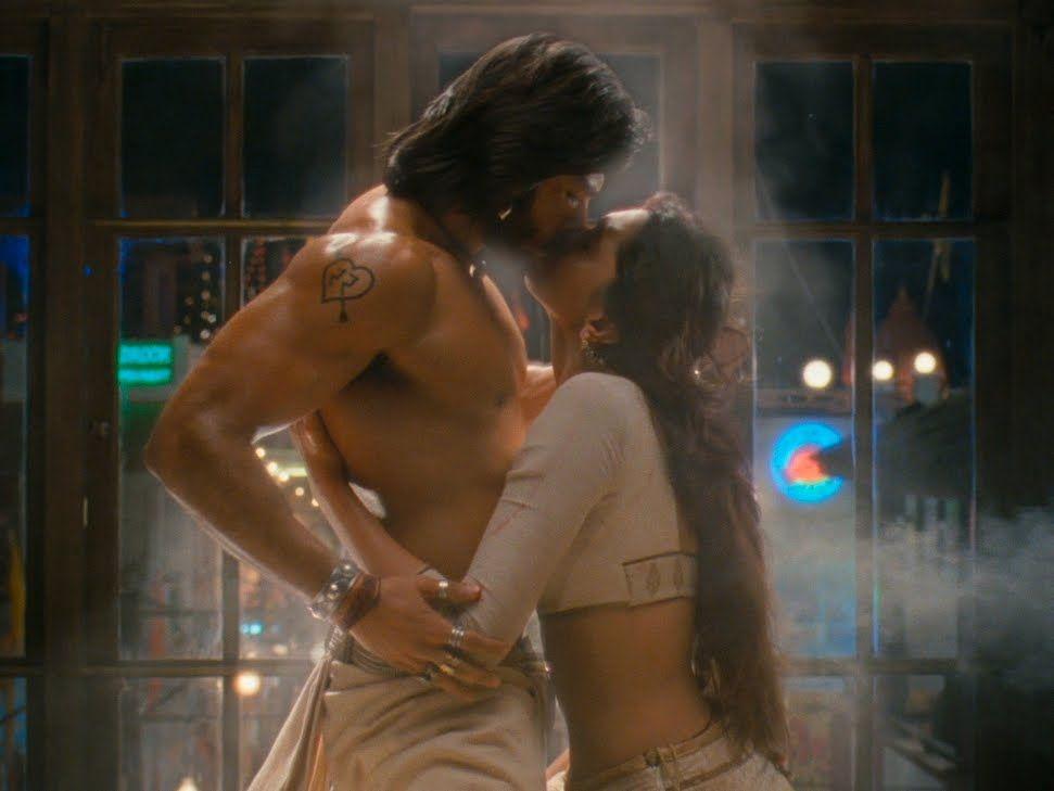 Kamasutra Hindi Picture Hot Sceneshindi Picture Hot Scenehdsareebollywooddesi Erotic Scenesdesi