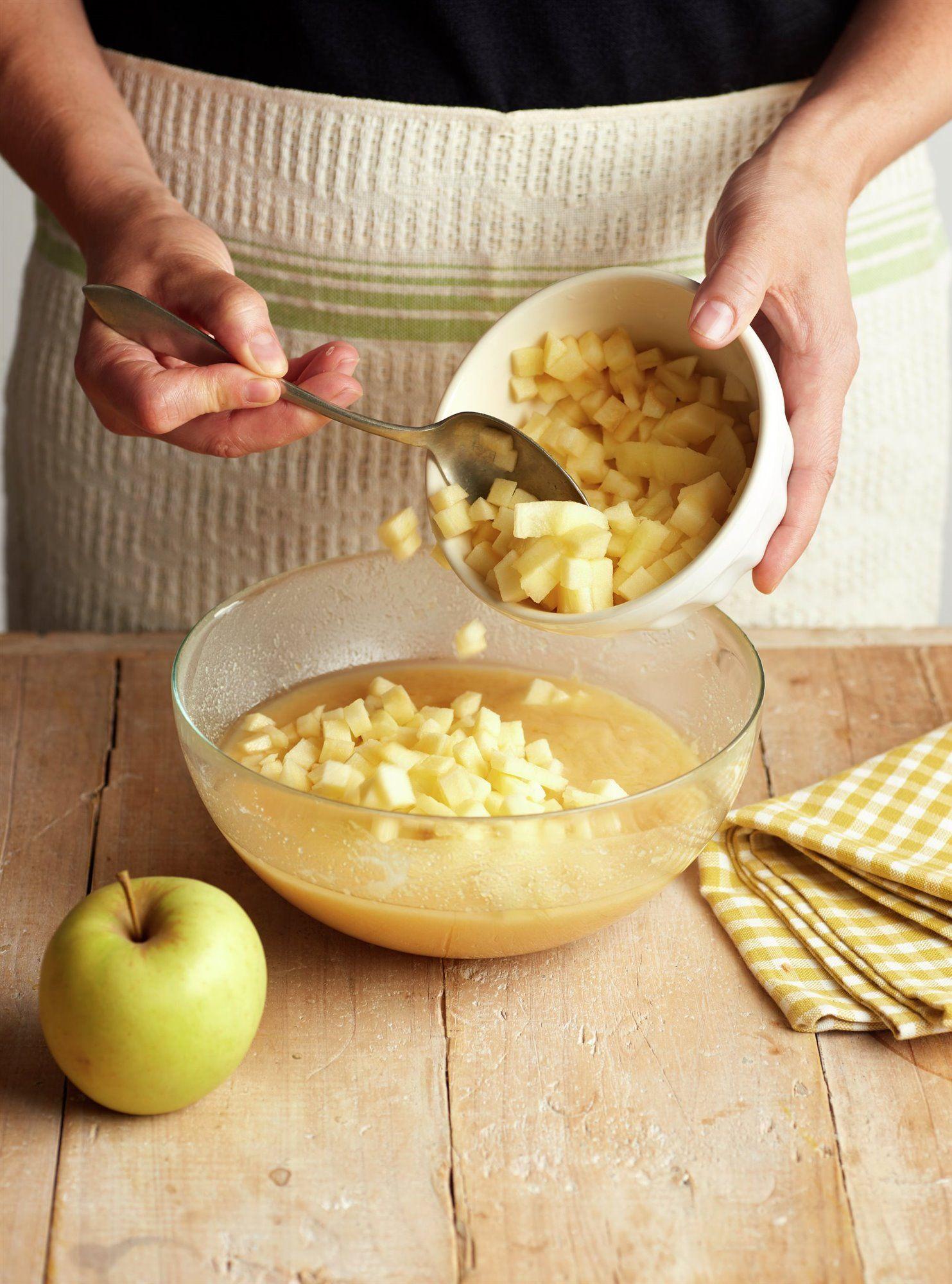 Tarta de hojaldre, crema y manzana caramelizada