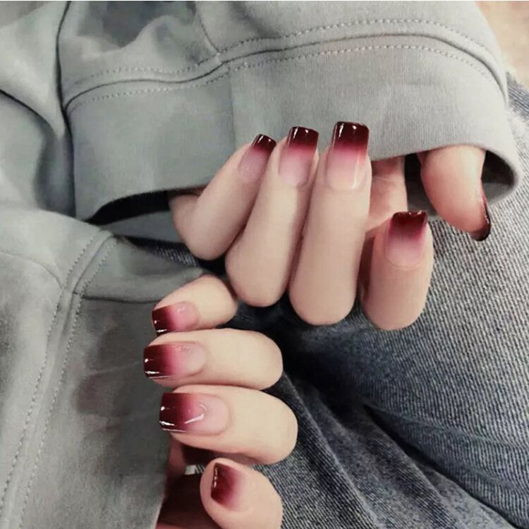 24Pcs Artificial Gradient Color Sharp Nail Art Full Cover False Fake Nails Tip