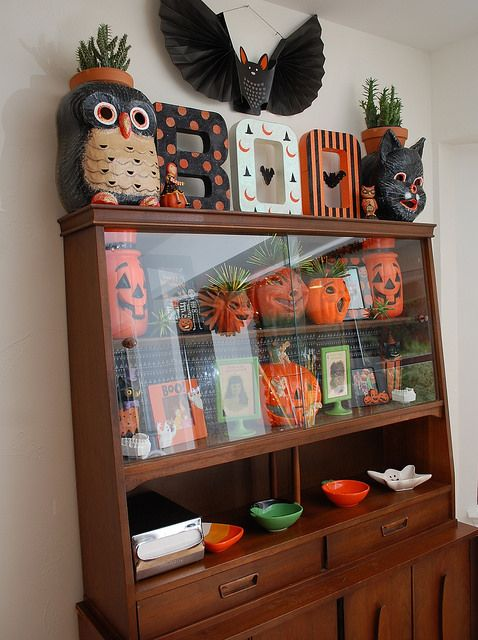 Throw a Halloween Party on a Budget Halloween Vintage and Cute