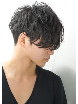 ニュアンスパーマでさりげなくオシャレな髪型に パーマ初心者のメンズ
