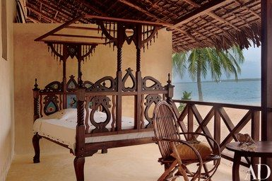 A Vacation Home On The Island Of Lamu Evokes Balance And Symmetry African Interior Design African Interior Beautiful Bedrooms