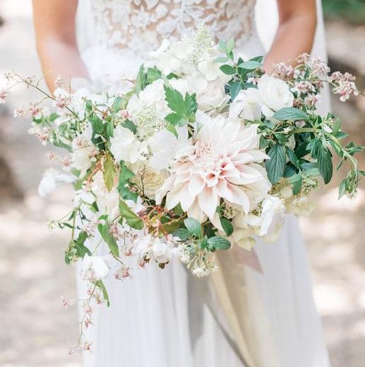 Unique Wedding Dresses Au: A Loose Asymmetrical Bouquet Of Café Au Lait Dahlias