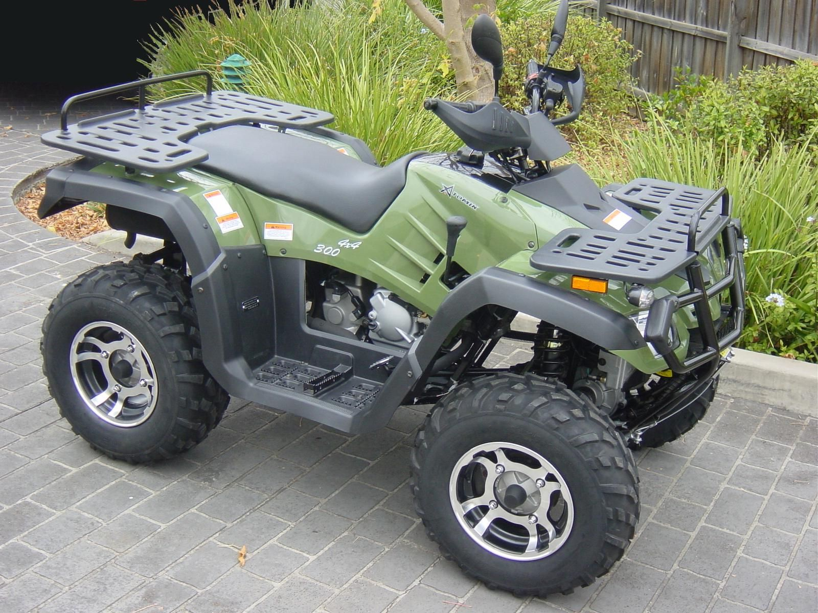 300cc 4wd Farm Quad Bike Http Www Biketrade Co Uk With Images