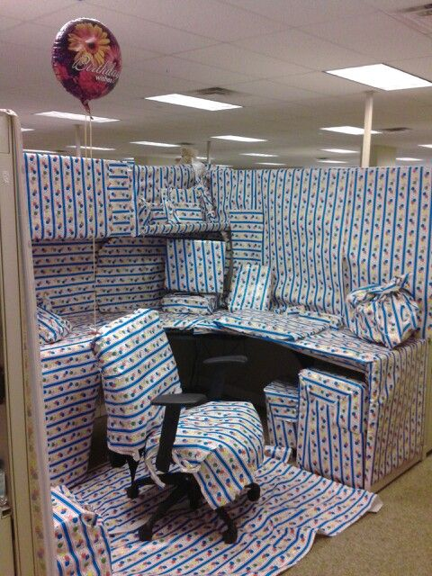 Best Office Desk Birthday Decorations Hahaha Gotta Do This Also Employee Birthdays Images Rh