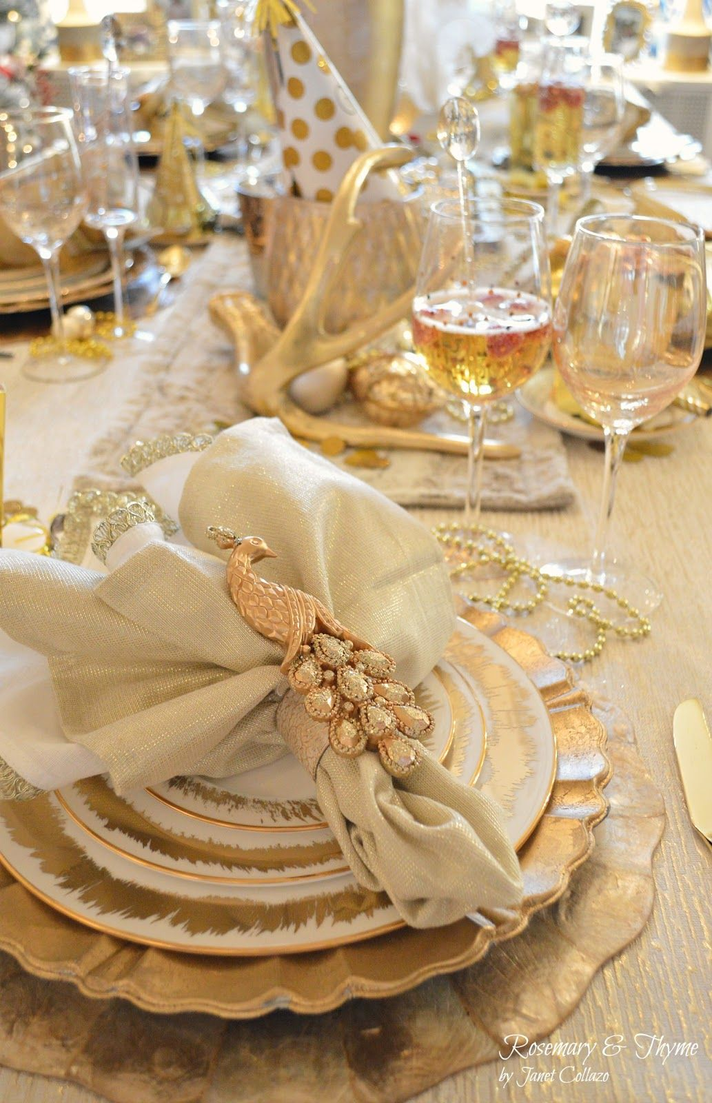 New Year S Eve Gold And Glam Tablescape Table Setting Decor Holiday Table Settings Beautiful Table Settings