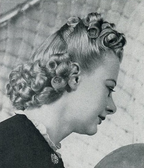 1939 Tight Curls For A Half Up Half Down Style 1930s Hair Long Hair Styles Hair Styles