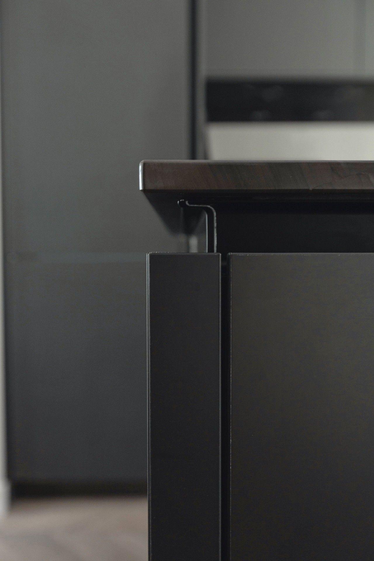 SieMatic Pure S2 Kochinsel in grau mit integrierter, ergonomisch ...