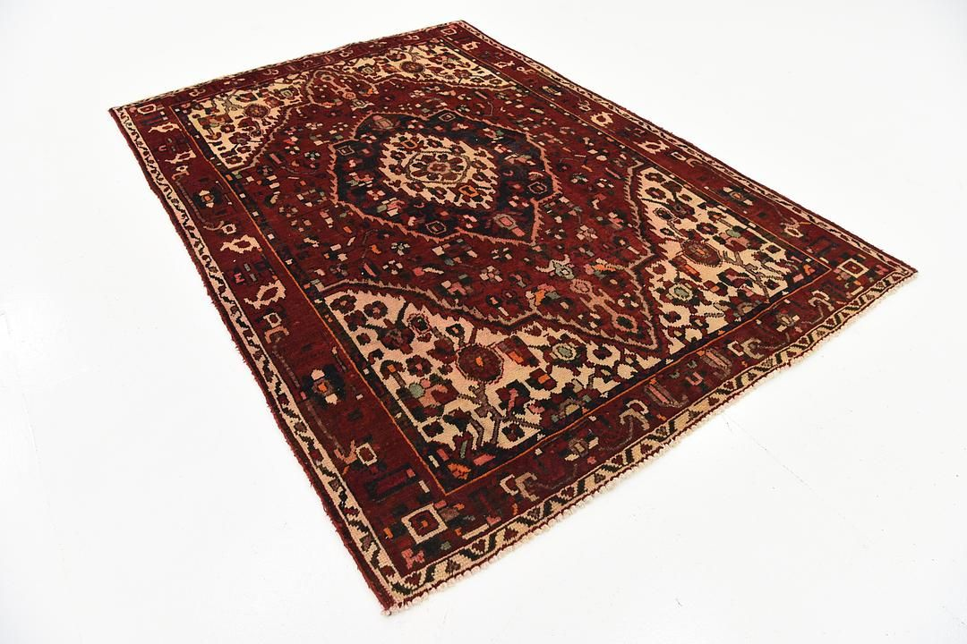 Red 5' 1 x 7' Bakhtiar Persian Rug | Persian Rugs | iRugs UK
