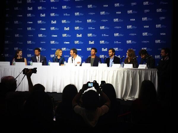 Il cast di #Prisoners al #TIFF13!  #PrisonersFilm, il nuovo film di #DenisVilleneuve con #HughJackman e #JakeGyllenhaal, è al cinema dal 7 novembre! #WarnerThriller