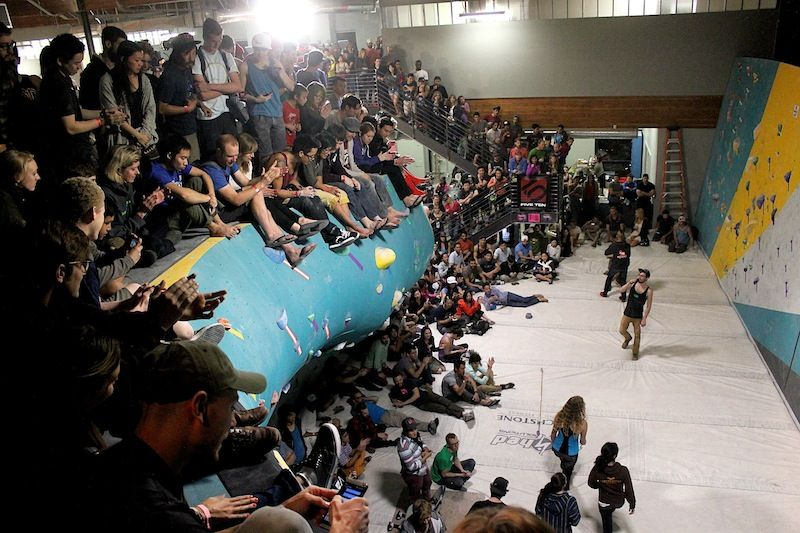 The Biggest Bouldering Gym Is Here And By Here We Mean Losangeles The Grand Opening Was So Much Fun Bouldering Gym Bouldering Grands