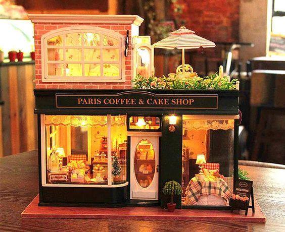 Paris Kaffee & Kuchen Shop Puppenhaus Bausatz, Puppenhaus