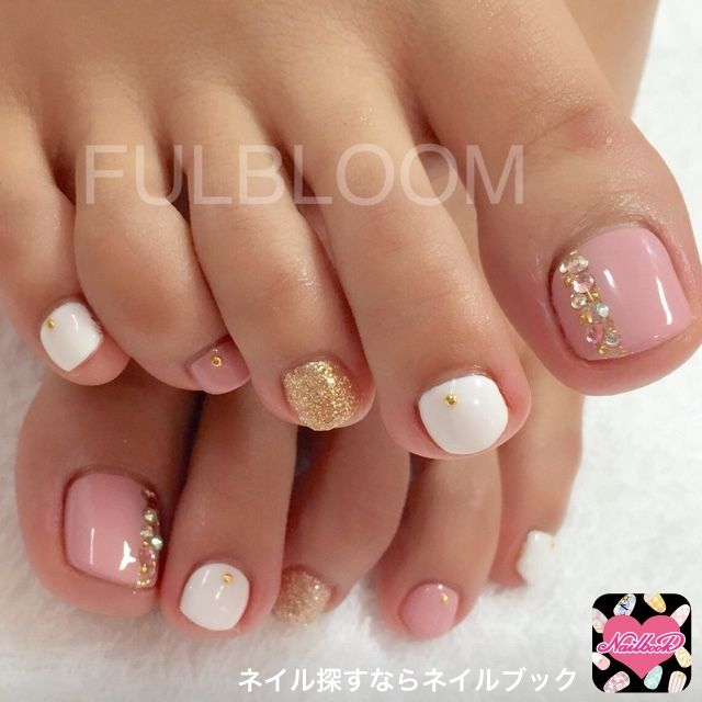 44 Easy And Cute Toenail Designs To Celebrate The Essence Of Summers Pretty Toe Nails Nail Designs Toenails Toe Nail Designs