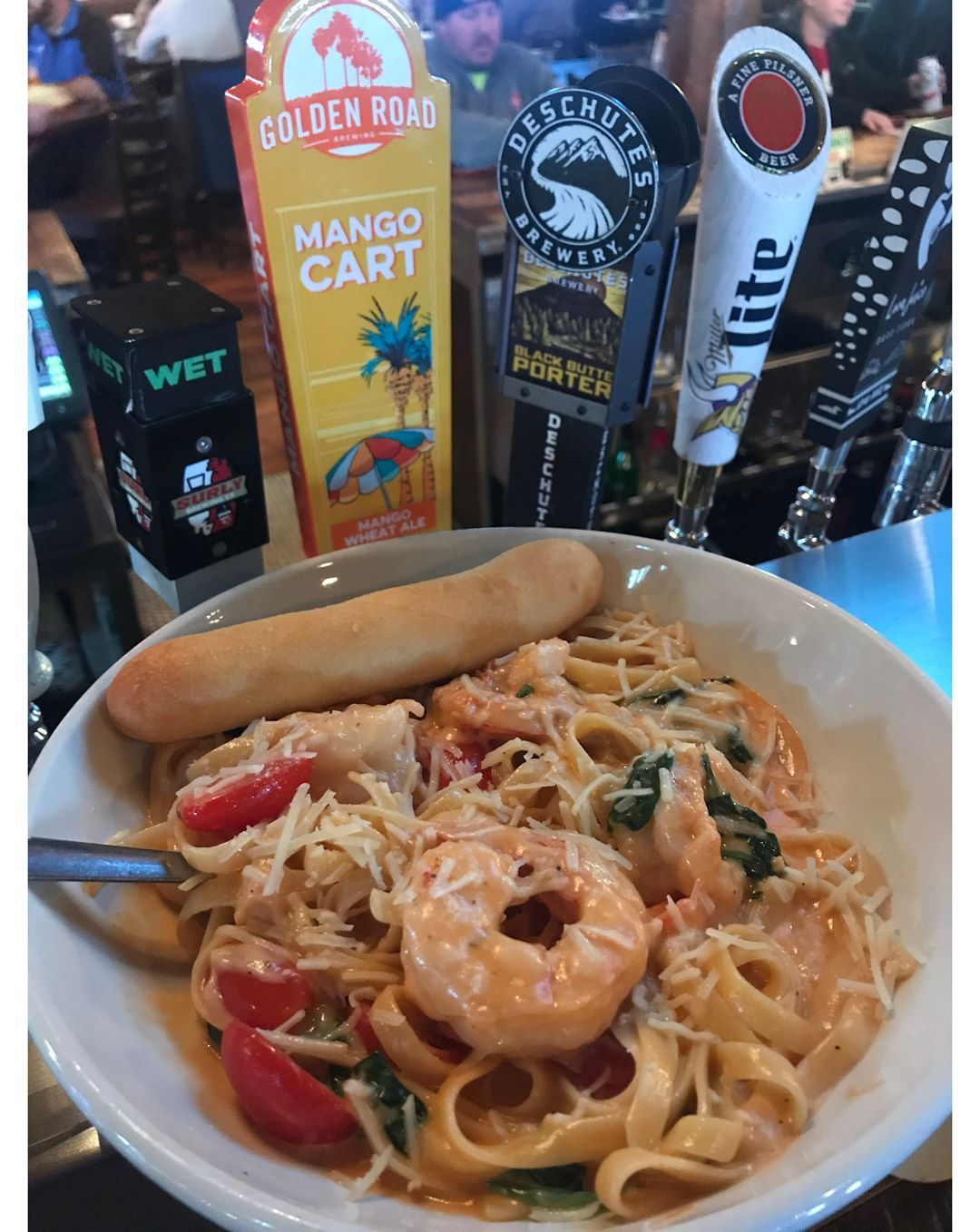 Friday night dinner special: Shrimp Florentine.  November 1st also means a new beer of the month: Deschutes Black Butte Porter. #foodstagram #instalove #eatingfortheinsta #fridaynightdinner