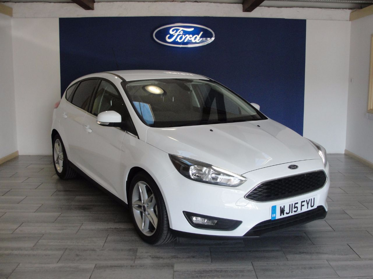 Now Sold 2015 Ford Focus 1 0 Ecoboost 125 Zetec 5dr Hatchback Petrol Frozen White At Swanson Ford Please Call 01626 352 Ford Focus Used Ford Ford Focus 1