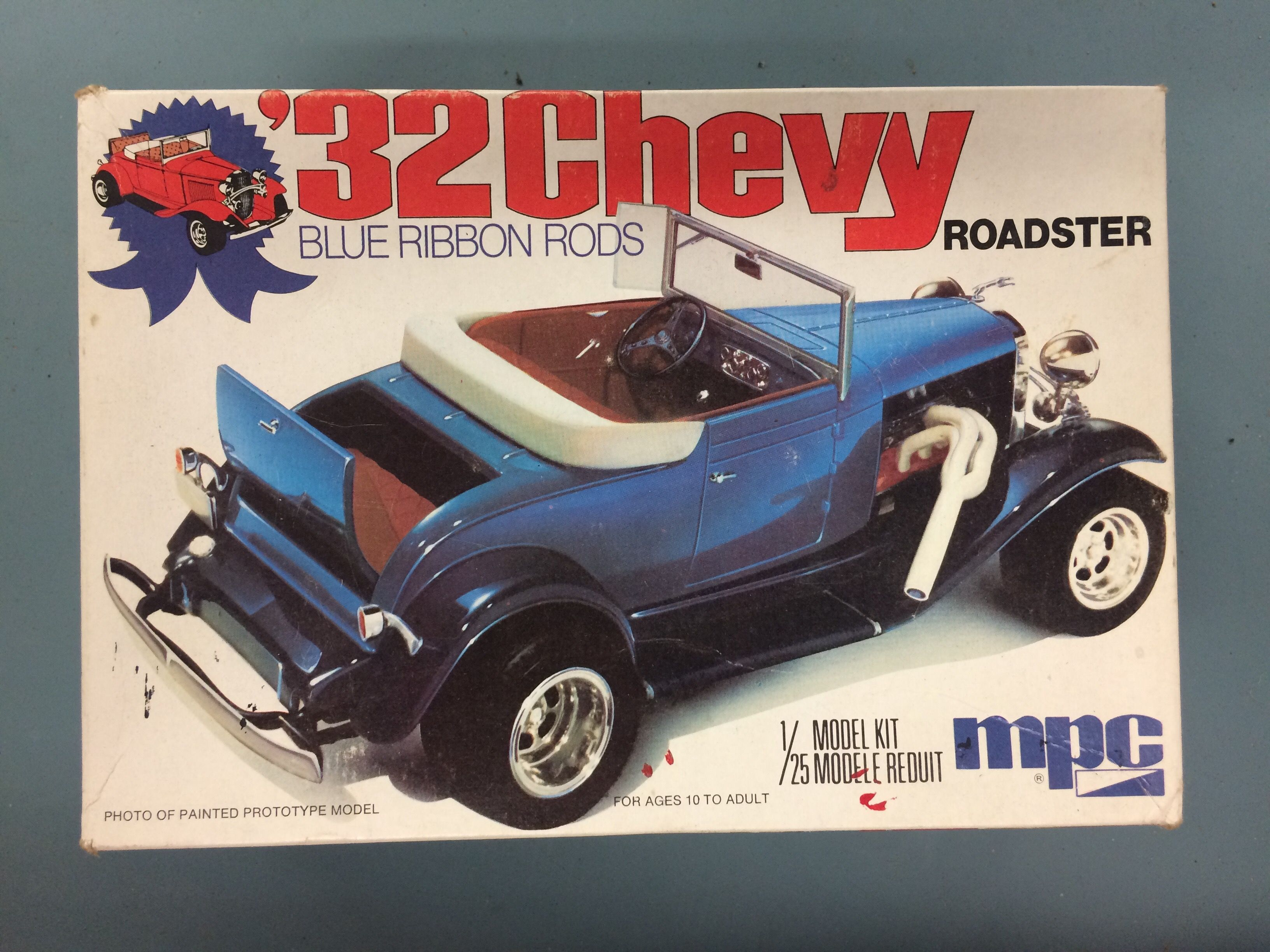 32 chevy roadster model kit [ 3264 x 2448 Pixel ]