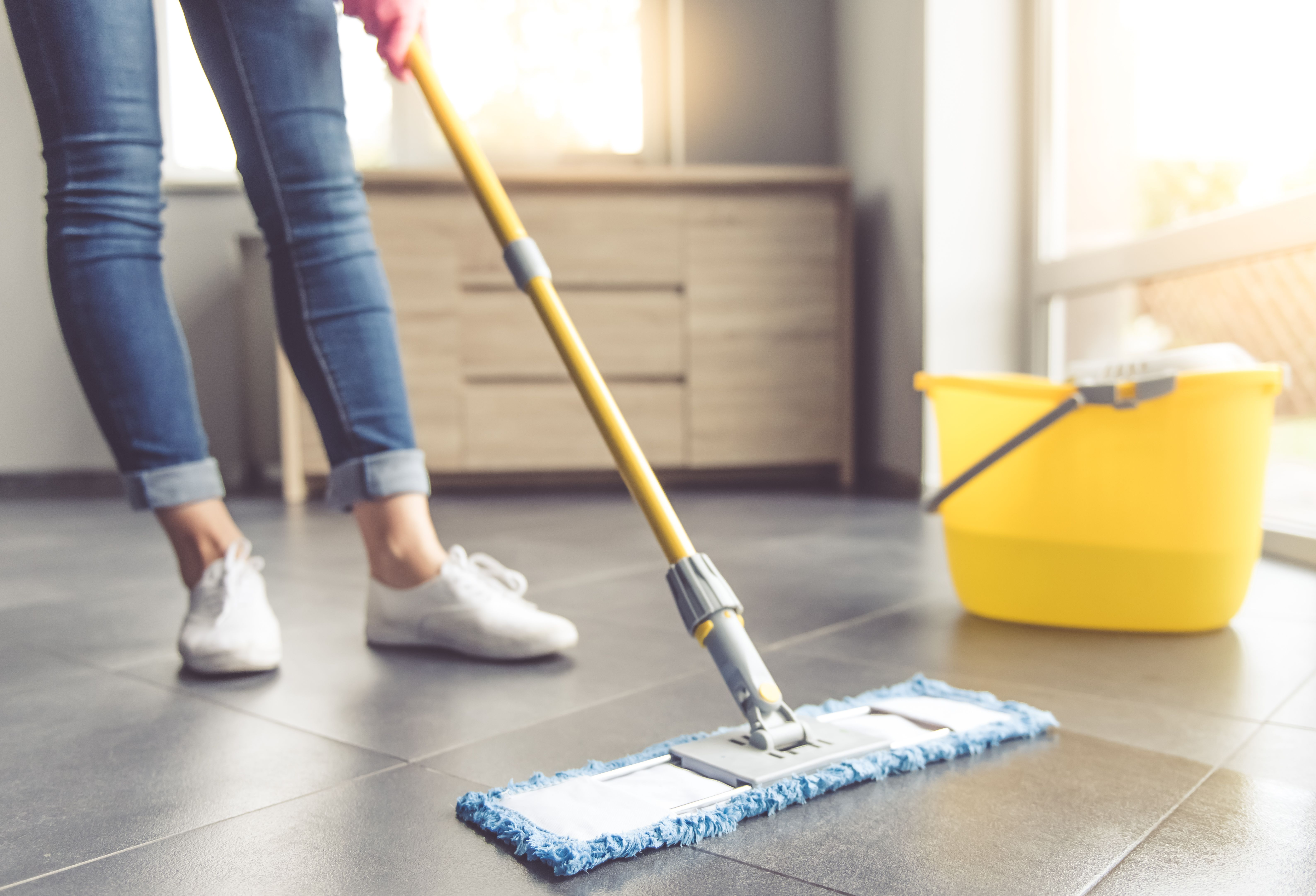 5 Things to Know About Cleaning Your Kitchen Floors   Best ...
