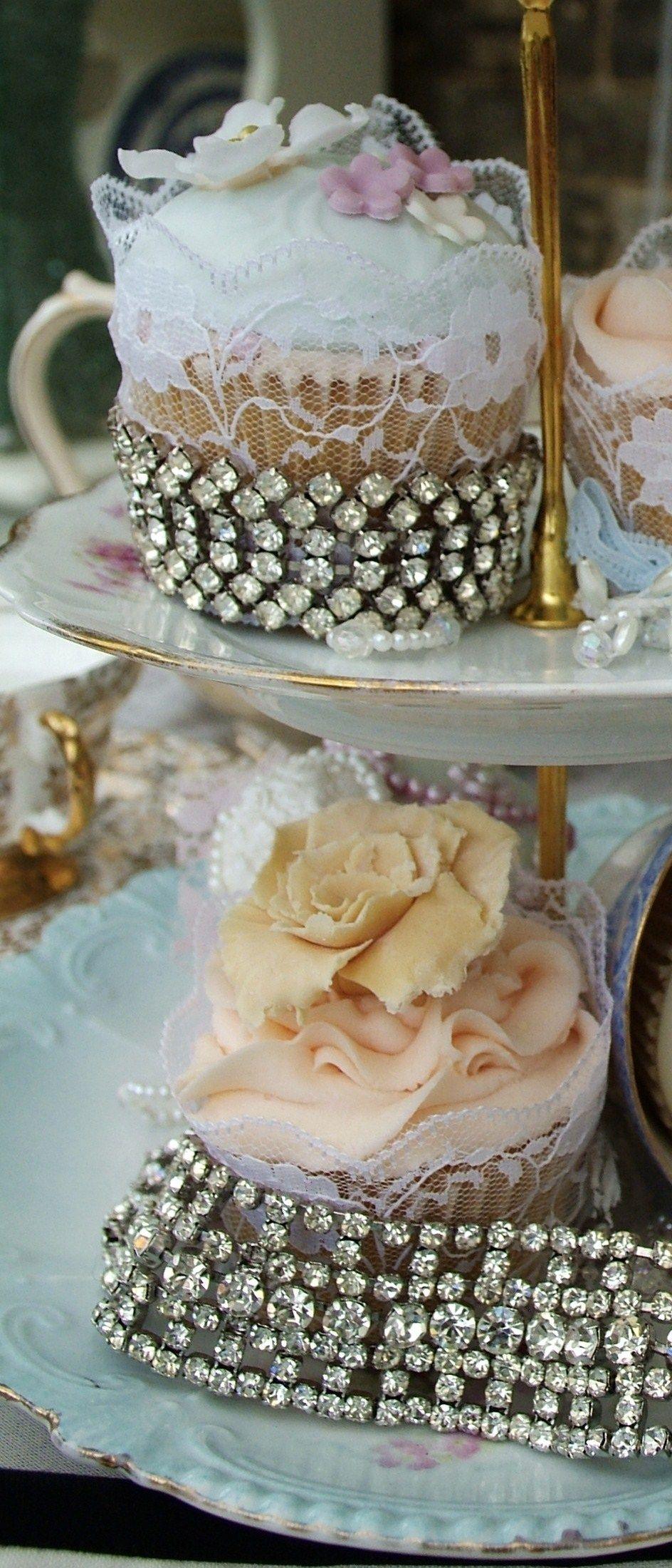 Vintage cup cakes
