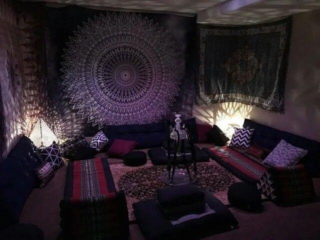 Smoke sesh room | Chill room, Hippy room, Cute room decor