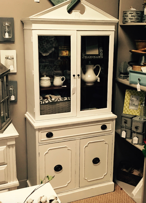 So Many Uses For This Small White China Cabinet B104 325 Gaslampantiques