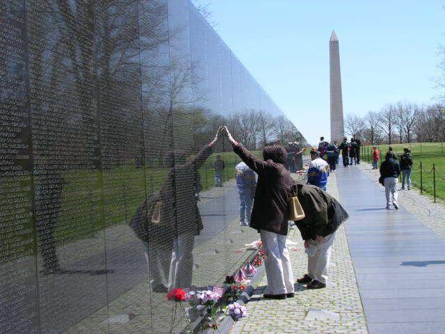 Maya Lin And The Vietnam Veterans Memorial Maya Lin Vietnam Memorial Vietnam Veterans Memorial