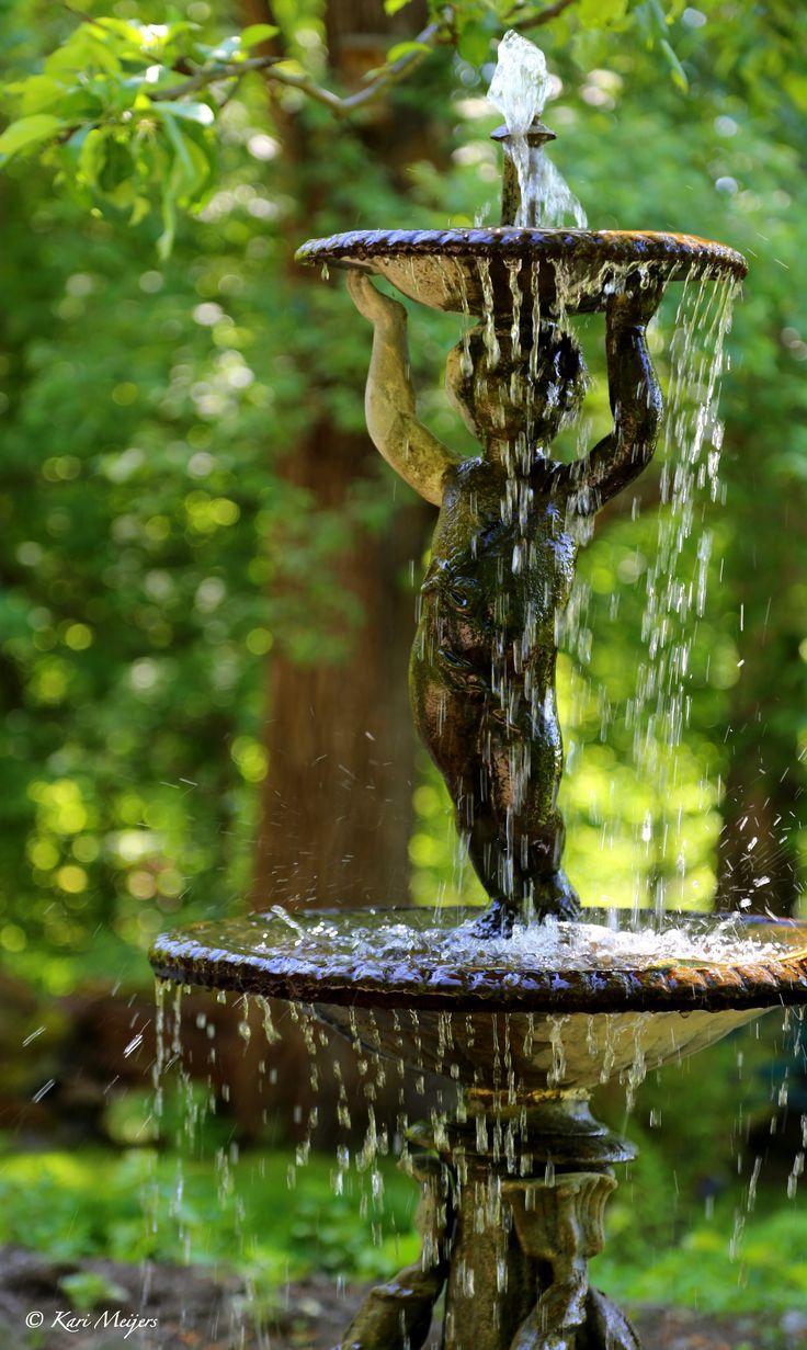 Garden water features  loriedarlin Photo by Kari Meijersufound on pinterest