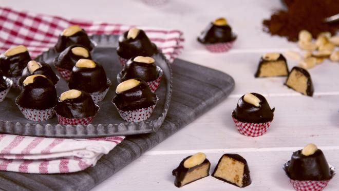 Bombons crus de chocolate e amendoim - receita | 24Kitchen