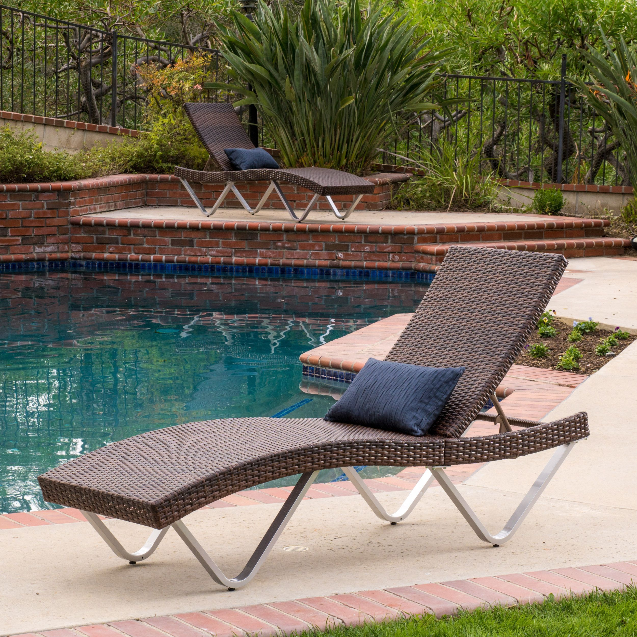 Enjoy a contemporary twist on traditional outdoor seating with the ...