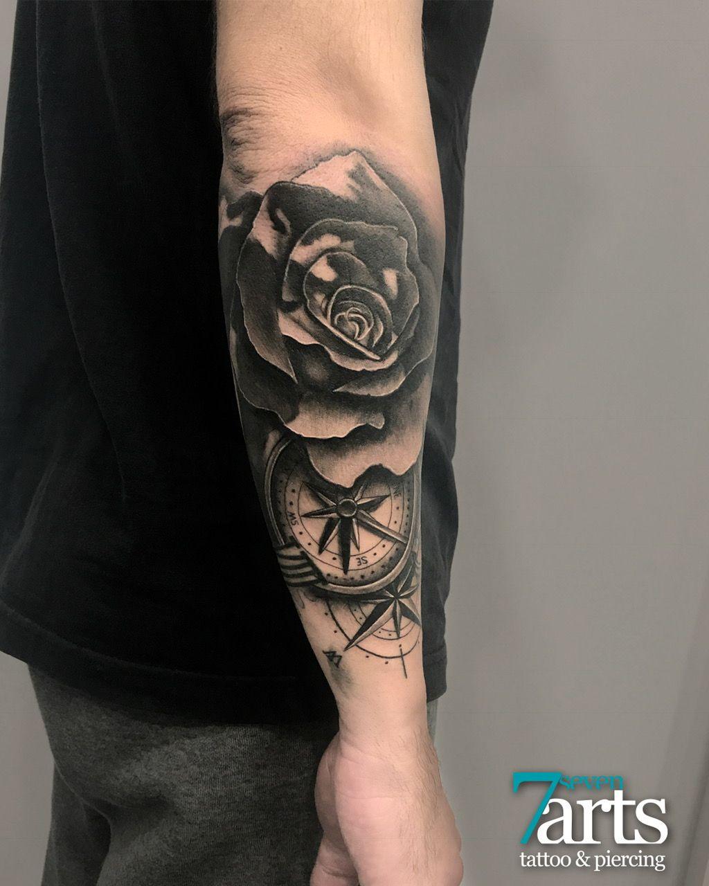 Tatuaje Realista De Rosa Mapa Y Brujula Brujulas Tattoo