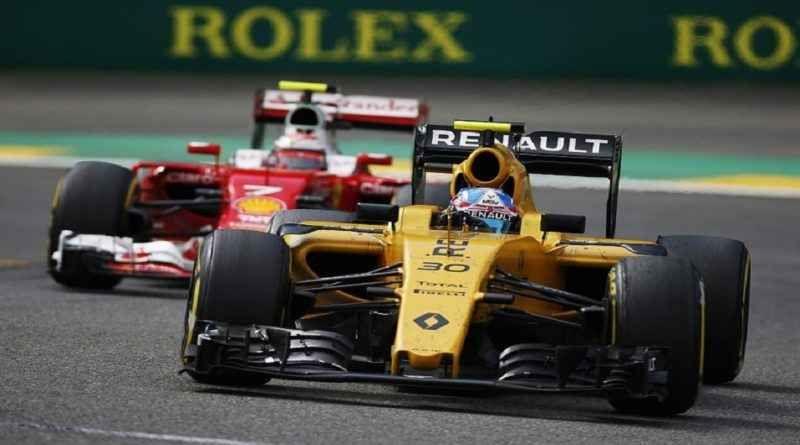 Renault: per il direttore tecnico la potenza del motore è molto simile a quello della Ferrari Bob Bell, direttore tecnico Renault è convinto che la propria power unit, possa competere con la scuderia italiana anche nel 2017. Ha anche affermato che la Mercedes è ancora avanti. «Siamo sicuramen #renault #ferrari #formula1 #direttore