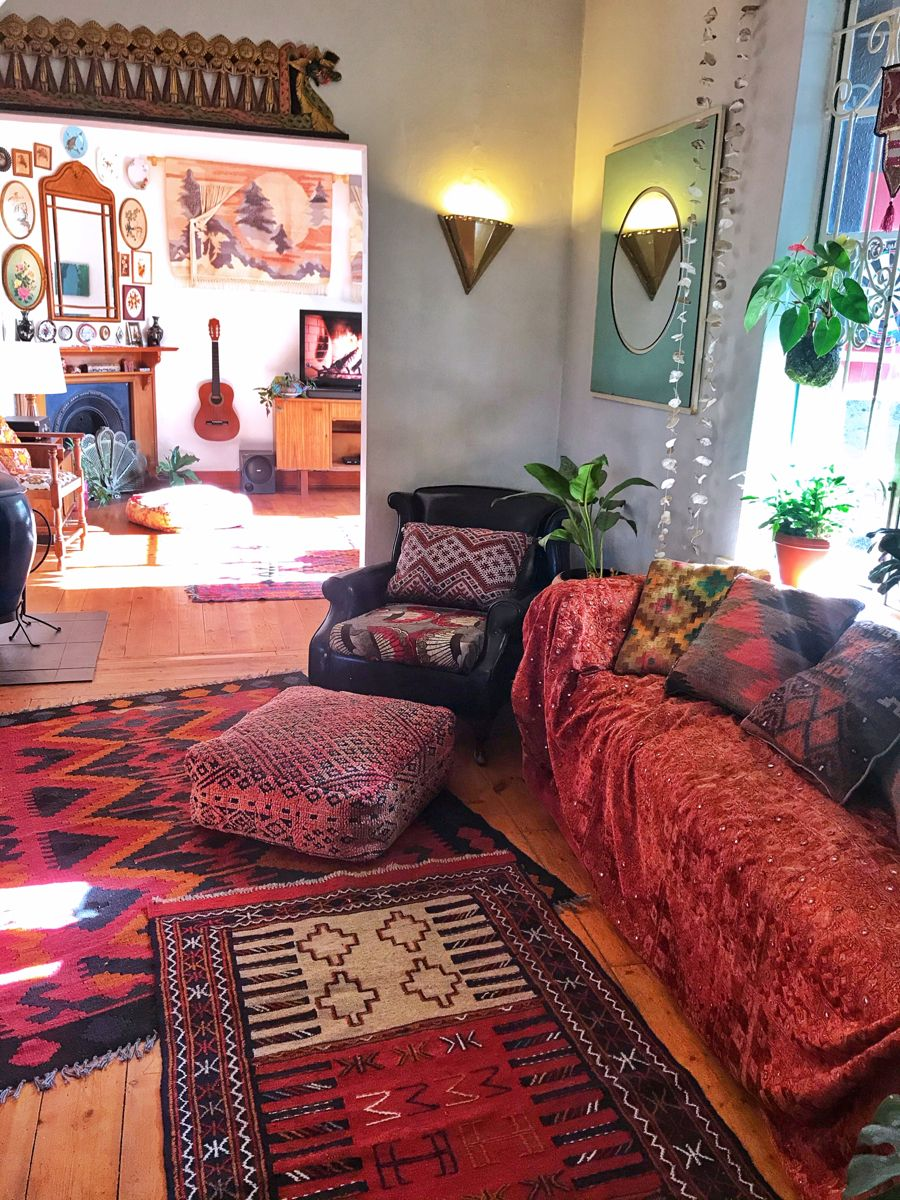 #bohemiandecor #bohodecor #eclecticdecorbohemian #eclecticdecor #moroccandecor #kilimrugs