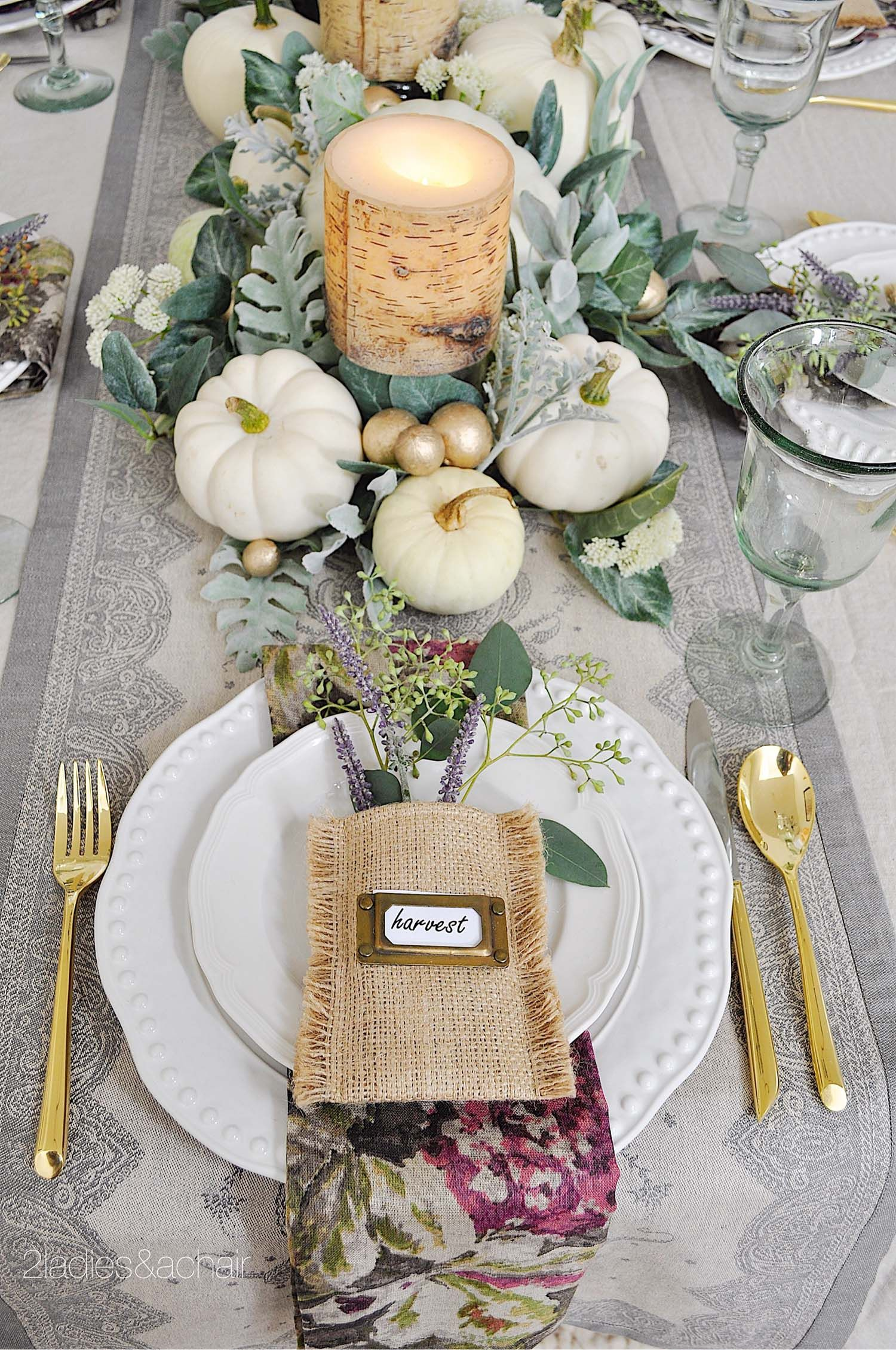 25 Warm And Welcoming Fall Table Decorating Ideas Onekindesign