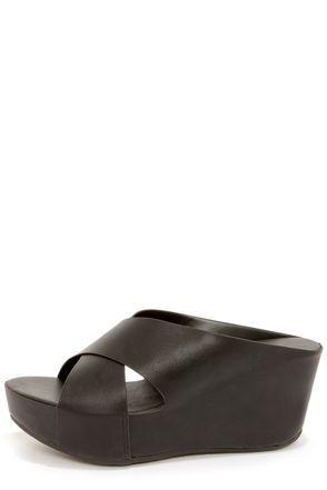 114b000968f Bamboo Willa 01 Black Platform Sandals