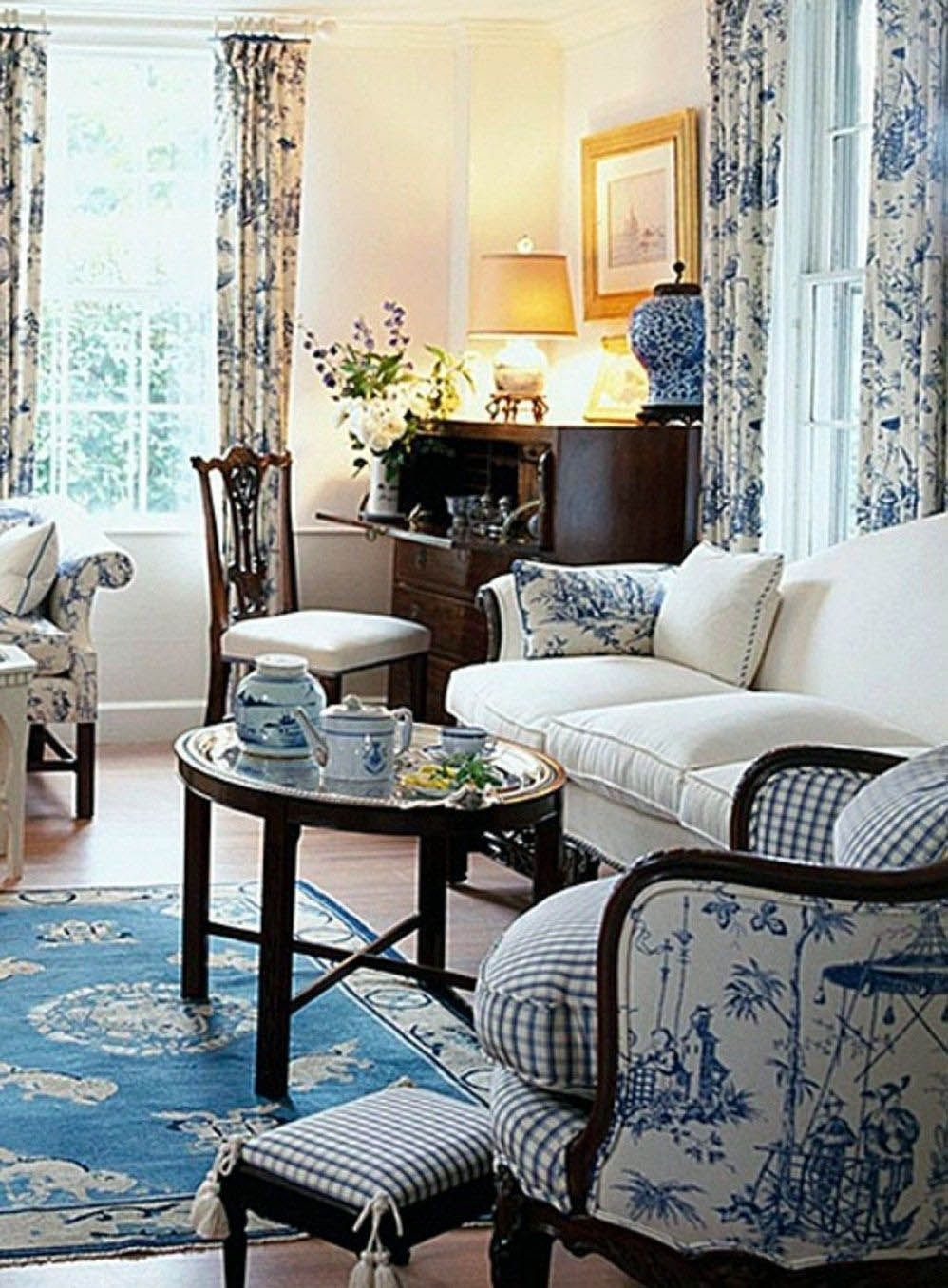 Cozy english country cottage living room for your home