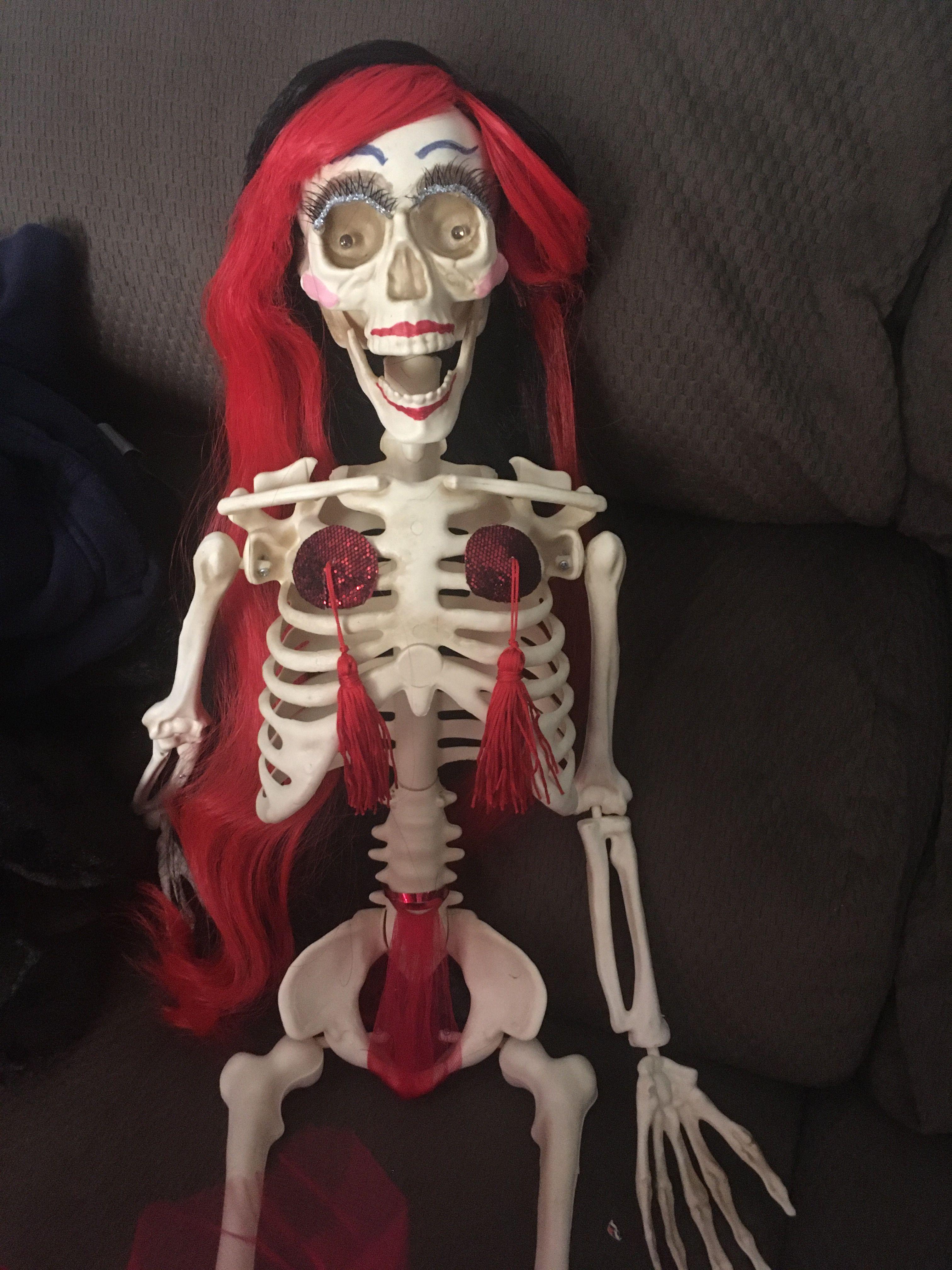 Skeleton pole dancer Beetlejuice, Home depot halloween