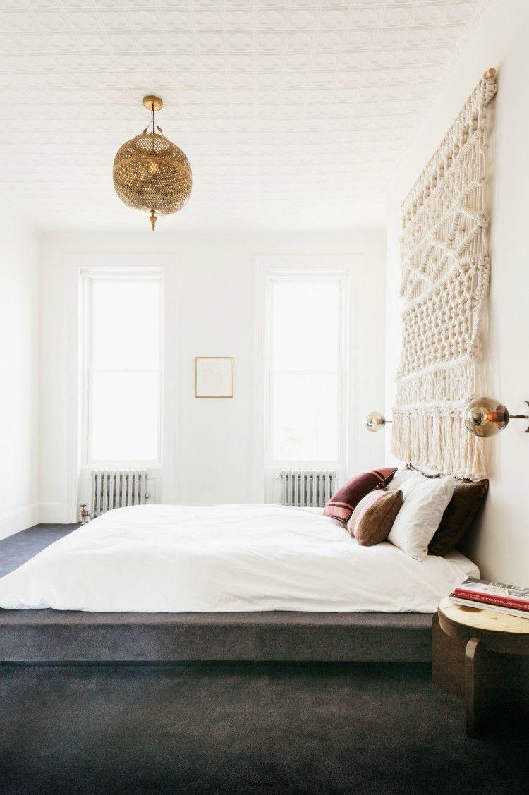 Schöne mischung: makramee und messingleuchten am bett | Rooms ...
