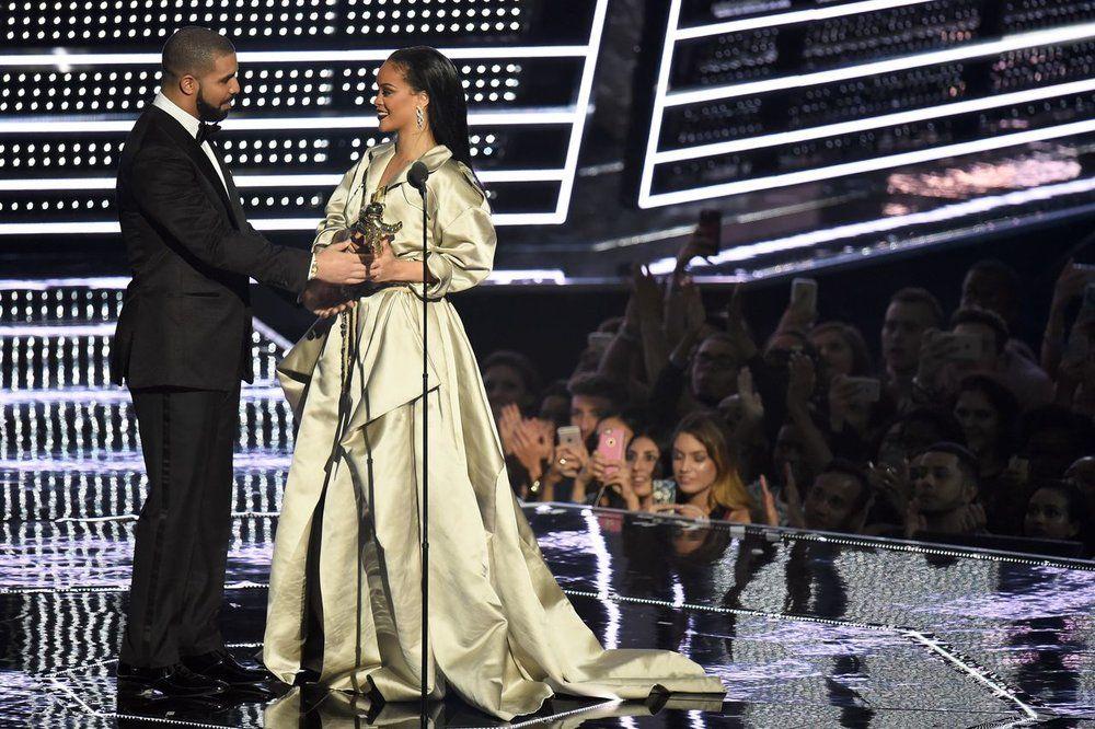 2016 MTV VMAs Rihanna, drake, Rihanna, drake dating