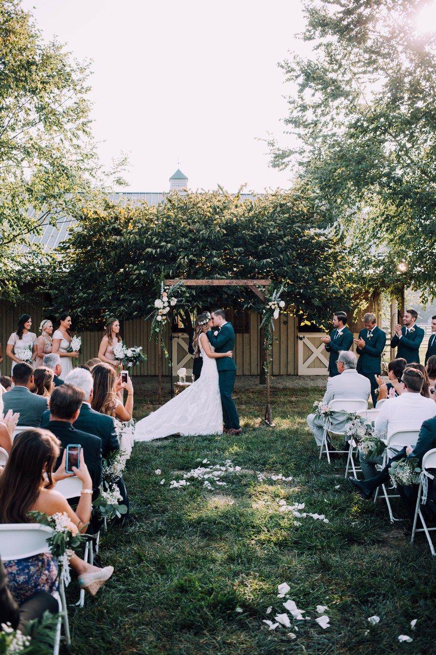 A Backyard Wedding That Proves You Can Plan a Gorgeous ...