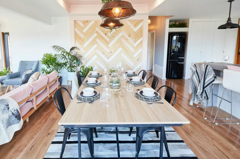 House Rules 2017 Sean And Ella Dining Room With Industrial Pendant Lights