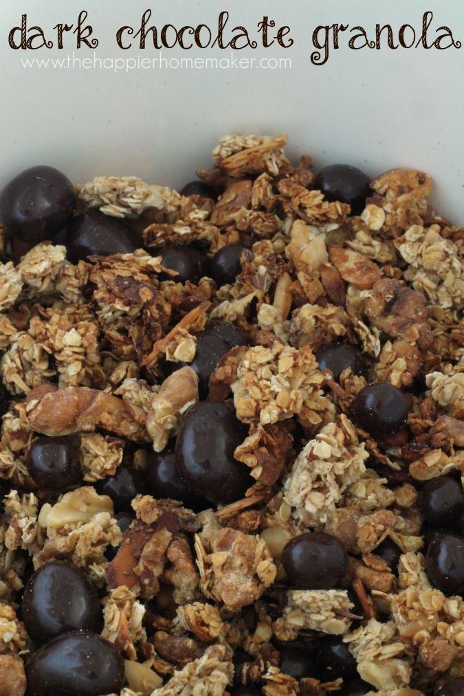 Mit diesem leicht zuzubereitenden Rezept für dunkles Schokoladenmüsli geben Sie Ihrem Müsli etwas Schokoladensüße. DOVE Schokolade