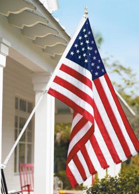 Signature U S Flag Grandin Road Patriotic Decorations American Flag Flag