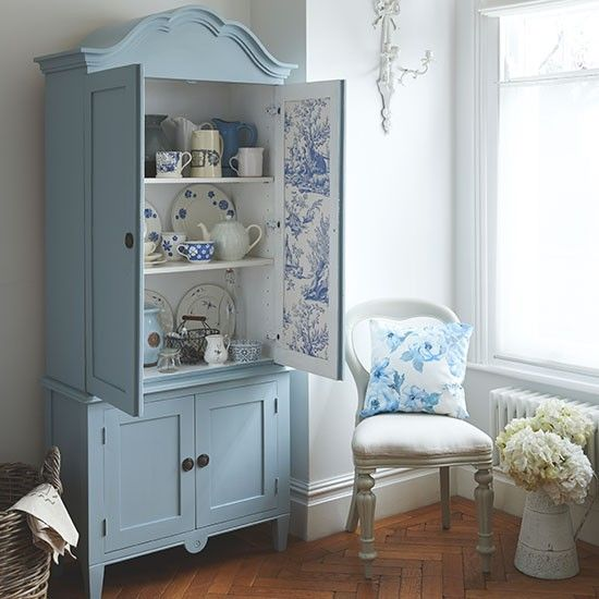 Delicieux Blue And White Country Dining Room With Armoire