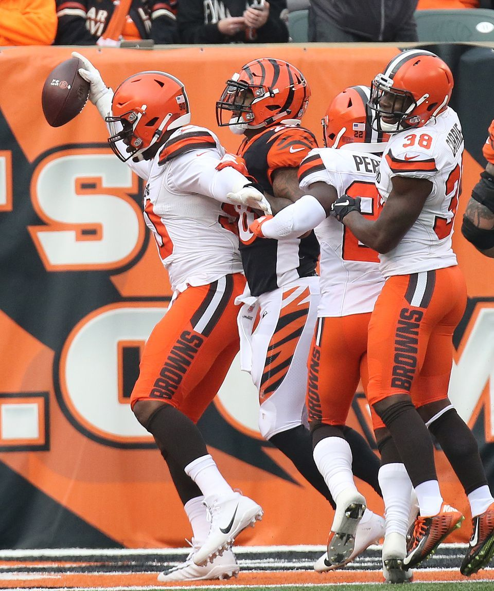 more photos 23c04 e3472 Emmanuel Ogbah crosses the goal line for a touchdown after ...