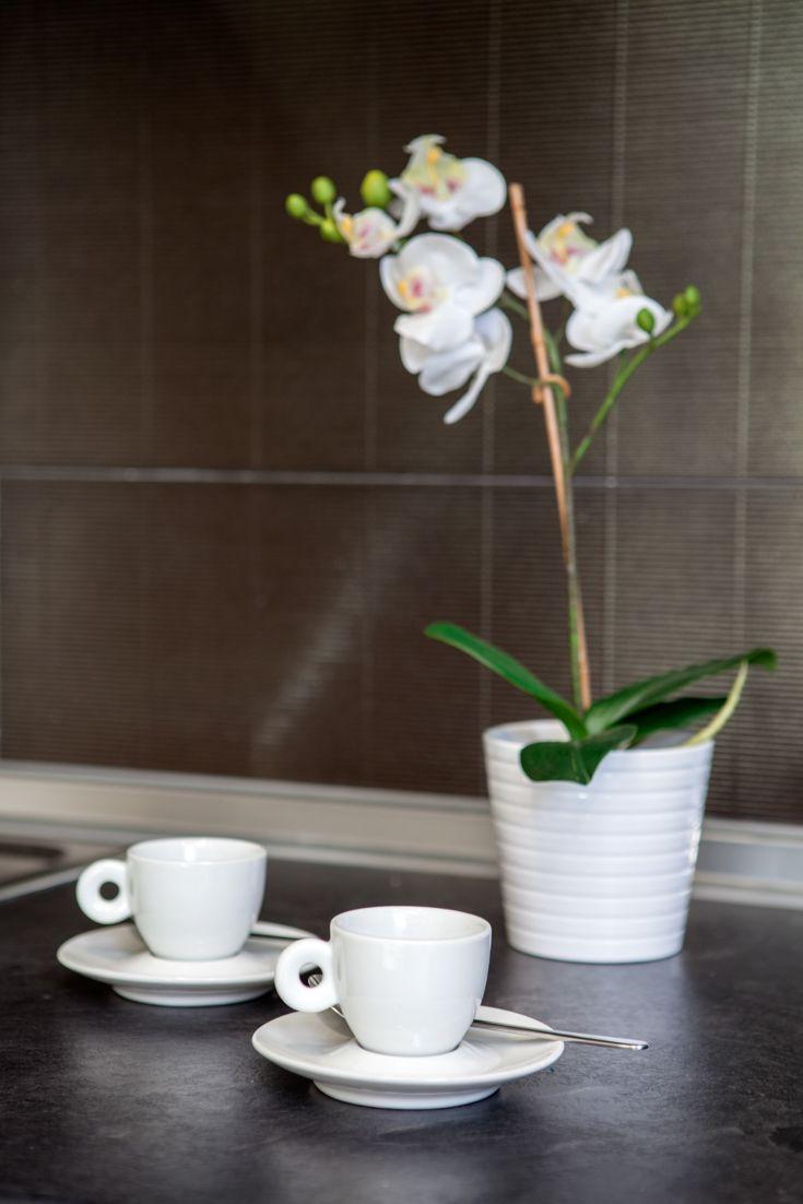 Galer a fotogr fica decoraci n de interiores encimera de pizarra encimeras y tazas de desayuno - Encimera de pizarra ...
