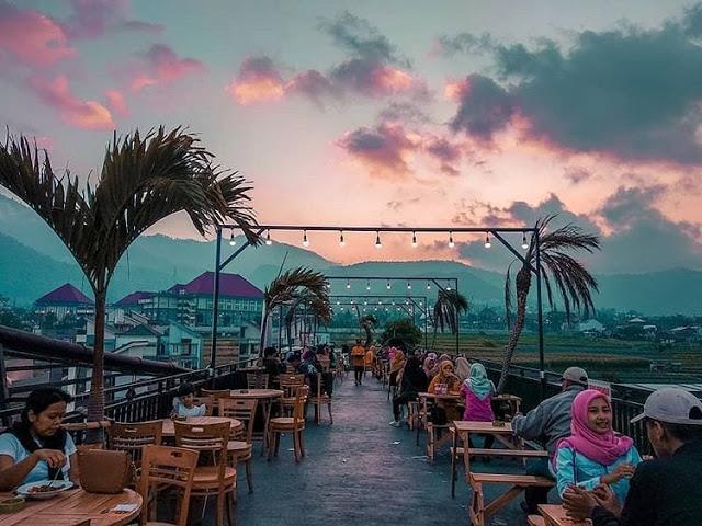 7 Rekomendasi Cafe Instagramable di Malang Yang Wajib