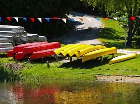 How To Start A Canoe Kayak Rental Leasing Business Business Ideas Resources For Entrepreneurs Gaebler Ventures Canoe And Kayak Kayaking Kayak Rentals