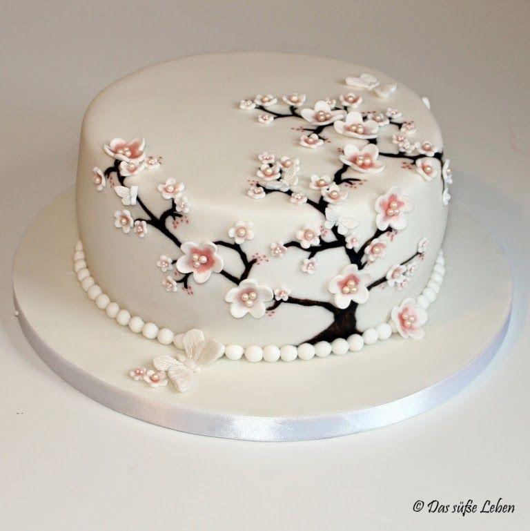 Das Susse Leben Geburtstagstorte Mit Kirschbluten Und Schmetterlingen Www Dassusseleben Com Geburtstagstorte Blumen Torte Kuchen Dekorieren
